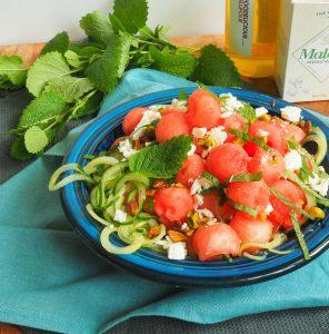 Salade met watermeloen, komkommer en feta